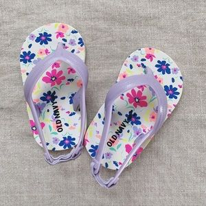 Old Navy • baby sandals